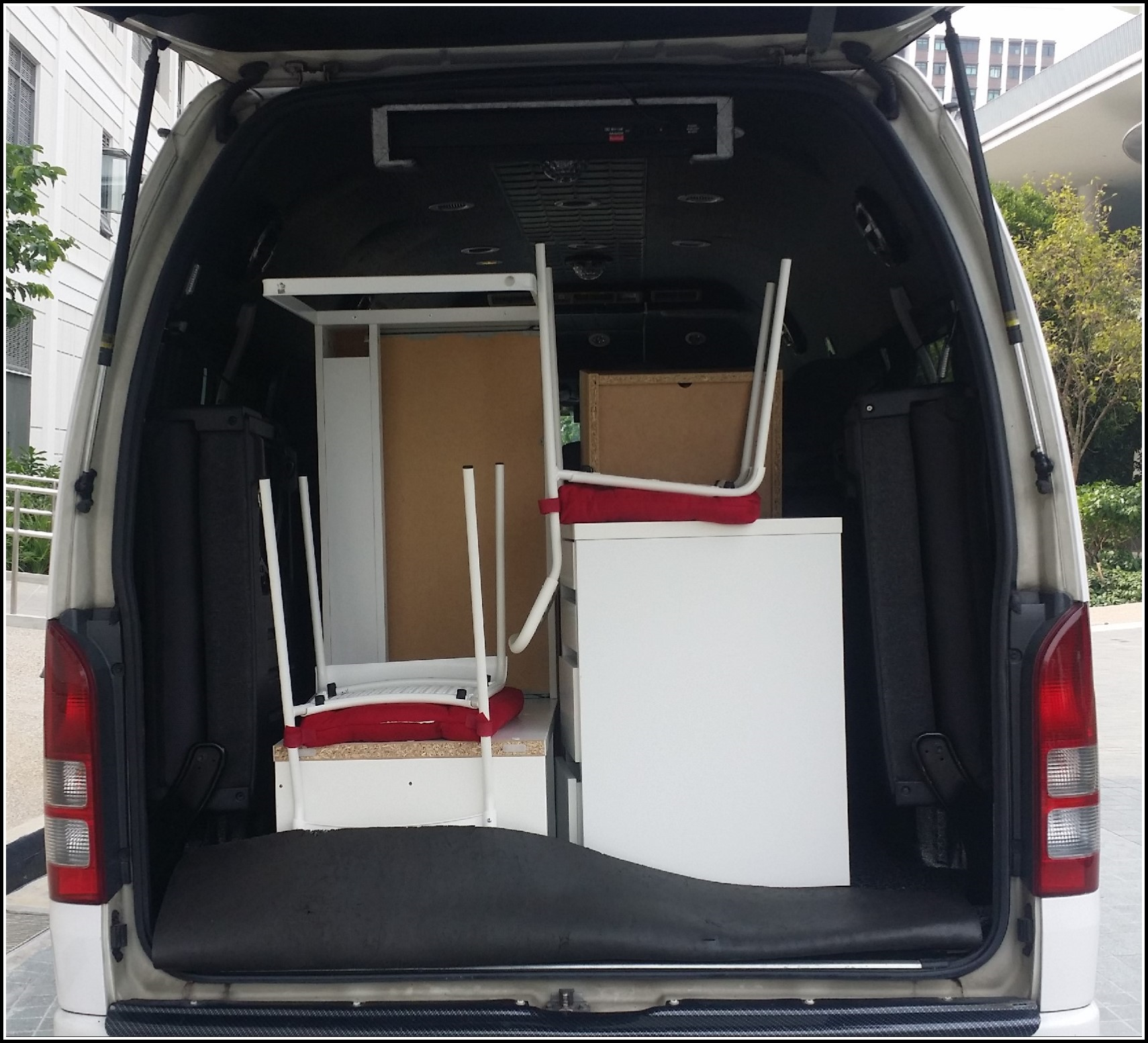 Mini Bus for Moving Items Transfer